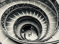 Girovagando (Biellaintitanio) Tags: aspirale museivaticani scalaelicoidale giuseppemomo bn blackandwhite sanpietro roma puntidivista architecture