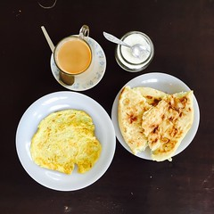 Omelette with Naan and Tea (Emaad Paracha) Tags: eats beef roti chicken seafood paratha egg omelette octopus chimichurri naan chai tea hotdogs pancakes fish chips burger cookies wraps shawarma ox coffee cake bun kabab pizza hollywood bollywood korean food dessert milkshake crepe potluck