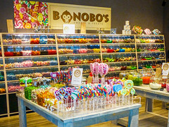 Bonobo's (Jan 1147) Tags: bonobos sweets confectionery snoep colors colours kleur kleuren gentsintpieters gent belgium
