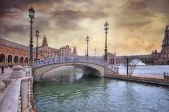 (325/18) El despertar de los sentidos (Pablo Arias) Tags: pabloarias photoshop photomatix capturenxd españa cielo nubes arquitectura agua puente plaza sevilla andalucía