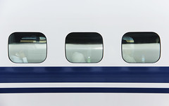 (cherco) Tags: japan train 3 three lines composition composición windows reflexions stop colour canon city velocidad velocity tokyo urban geometry human japon minimalism blue travel holidays asia 日本