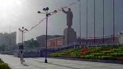 Mao Statue in Kashgar (peace-on-earth.org) Tags: peaceonearthorg xinjiang china kashgar mao statue