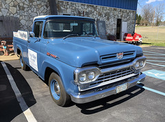 1959 Ford F-100 pickup (Thumpr455) Tags: 1959 ford f100 pickup truck iphone8 greenville sc southcarolina blue restored