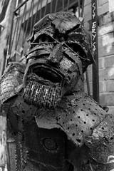Urban Street Art (Pascal Volk) Tags: berlin mitte berlinmitte dxosilverefexpro2 artinbw schwarz weis black white blackandwhite schwarzweis sw bw bnw blancoynegro blanconegro streetart urbanart skulptur sculpture escultura canonpowershotg1xmarkiii 15mm