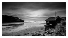 Mawgan Porth (Robgreen13) Tags: cornwall mawganporth seascape overcast lifeguard longexposure bw mono tide