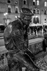 Matera - Marzo 2018 (Maurizio Tattoni....) Tags: italy basilicata matera statua bn bw blackandwhite biancoenero monocrome leica 35mm mauriziotattoni