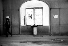 """ andiamo al cinema...."" (Davide Zappettini) Tags: street people city urban filmphotography filmbw bw blackandwhite bianconero davidezappettiniphotography fidenza ilford fp4"