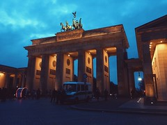 (maycambiasso98) Tags: alemania pariserplatz platz pariser night lights germany berlin bradenburggate puertadebradenburgo puerta gate bradenburg bradenburgo
