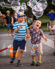 2018-06-10 fontanny w Warszawie n012 (durukuderuido) Tags: poland polska warsaw warszawa bańki children dzieci zabawa