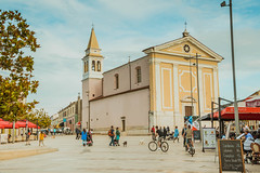 Liebfrauenkirche in Poreč, Kroatien (marcoverch) Tags: people vacation city travel croatia porec church street architecture diearchitektur reise building gebäude stadt outdoors drausen daylight tageslicht town dorf tourism tourismus religion sky himmel strase noperson keineperson kirche menschen house haus tourist ferien group gruppe urban städtisch tower turm moon naturaleza festival bicycle outside autumn classic españa hill countryside liebfrauenkirche poreč kroatien