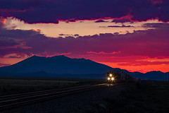 Sunset on the Seligman in AZ (Ray C. Lewis) Tags: bnsf burlingtonnorthernsantafe trains railroads arizona northern northernarizona route 66 scenic railfanning transportation landscape color colorful clouds sky canon6d canonlens canon ge generalelectric