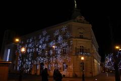 IMG_3314 (MrSzikraP) Tags: miskolc városháza városház tér díszkivilágítás hópehely éjszaka város főutca