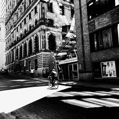 Un petit tour à vélo après le lunch ?... (woltarise) Tags: montréal buildings soleil saintpierre rue vieuxmontréal cycliste streetwise