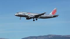 Niki (ƒliçkrwåy) Tags: oelab airbus a320 a320214 niki palma mallorca lepa lpa aviation aircraft airline airliner