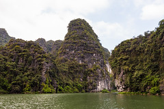 TAM_5033 (T.N Photo) Tags: nikon nikond750 d750 travel landscape river mountains boats skullisland trangan quangbinh northvietnam vn vietnam 2470mm lightroom sky cave travelphotoghapher