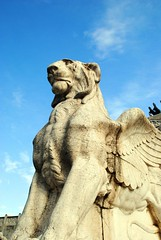 Altare della Patria - Winged Lion (zawtowers) Tags: rome roma italy italia capital city historic roman empire heritage monday 28 may 2018 summer holiday vacation break warm sunny altare della patria monumento nazionale vittorio emanuele ii il vittoriano monument first king unified country completed 1925 winged lion statue one each side