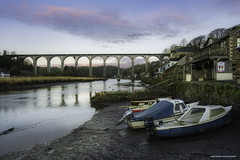 Calstock, Sunrise. (Lanstephan) Tags: viaduct calstock cornwall devon rivertamar river sunrise trainline boats