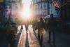 Fin de journée (alex bo.) Tags: street streetphotography streetlife streetincolor sun sunset city urban ombre shadow silhouette pavé people pietons rue nantes flag drapeau usa flares fuji fujifilm xt20