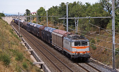 SNCF BB8131 on a long southbound mixed freight passing St. Just /St. Marcel on 31July1998 (mikul44171) Tags: bb8131 porteautos autozug fretsncf mixedfreight stjust ardeche rivedroite