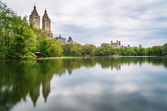 Central Park (_gate_) Tags: central park new york city nyc usa ny long exposure portrait green lung united states america blond blonde girl environmental nikon 85mm 18g d750 travel photography street grün gate patrick stargardt wasser baum wald holz heiter boot