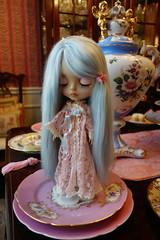 A daydreaming princess! (Primrose Princess) Tags: customblythedoll ooakblythe blythe pattyparisreroot princess daydream pink blue dream primroseprincess dollydreamland