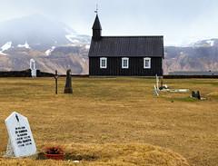 Buðir (trochford) Tags: church blackchurch graveyard cemetery headstones mountains historic búðakirkja budakirkja búðir budir snæfellsnes snaefellsnes westernregion iceland is canon canon6d ef24105mmf4lisusm ef24105