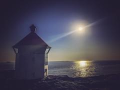 150/365: Vistnesfyret (lighthouse) (Liv Annette) Tags: vistnesfyret iphones view sea ocean sun sunshine sunset norway norge summer regionstavanger randaberg scandinavia europe 365 365project