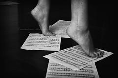 Vi-Andante... ;) (encantadissima) Tags: spartiti tempomusicale feet bienne