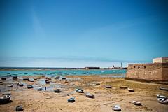 La Méditerranée et ses travailleurs (The Resurgent Anthropologist) Tags: cadiz méditerranée mer bleu enfants pêcheurs andalousie espagne soleil chaleur lumière