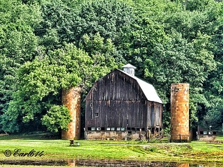 Captured this old barn on the way to Hocking Hills.