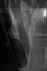 (lmzr.photography) Tags: lionelmazière autoportrait blackwhitephotograph photographieennoirblanc photographieurbaine streetphotography urbanphotography wwwlmzrphotography bordeaux nouvelleaquitaine france