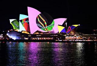 2018 Vivid Sydney: Lighting of the Sails: Metamathemagical #13