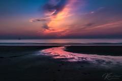 Colour the light (Katja van der Kwast) Tags: holland zuidholland scheveningen sunset zonsondergang zon zee zand sun sea sand reflection reflectie boat boot ocean sky water beach dusk bay 2018 summerevenings