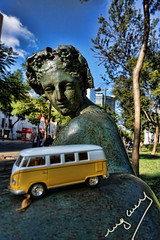 Art tour (ingcuevas) Tags: art tour small sculpture escultura beautiful sizedifference awesome joy day sky street tree miniature combi van combivan toy yellow colorful vibrant bright