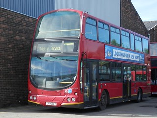 Go North East 6901 / LX06 EAY.