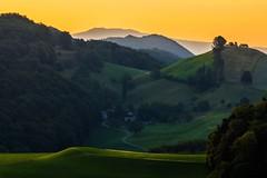 Fricktal/Kanton Aargau (UmbiFotos) Tags: salhöhe wolken dunst sonnenaufgang sonnenuntergang sonne tal laub