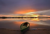 Atardecer en la orilla (Victor Aparicio Saez) Tags: atardecer agua alairelibre water reflejos tormenta rayosdesol luznatural paisaje pantano primavera salvaje sunset díalluvioso fotoconamparohervella filtrond horadorada largaexposición landscape naturaleza nubes cieloespectacular calma