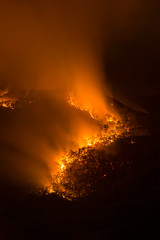 Nightfire (benpearse) Tags: mount solitary jamison valley katoomba blue mountains hazard reduction burn bushfire management fuel fire ben pearse controlled nightfire landscape nsw australia may 2018 npws