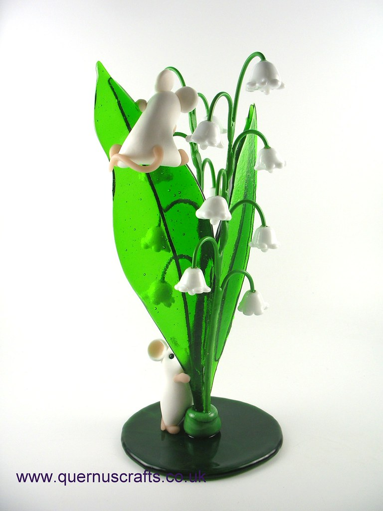 The worlds best photos of flower and mouse flickr hive mind two little mice on glass lily of the valley flowers quernus crafts tags izmirmasajfo