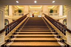 Peninsula II - Hongkong 155/188 (*Capture the Moment*) Tags: 2017 architecture architektur fotowalk hongkong häuserwohnungen innenarchitektur interiordesign luxury luxus peninsulahotel sonya7m2 sonya7mii sonya7mark2 sonya7ii sonyfe1635mmf4zaoss sonyilce7m2 staircase stairs treppen treppenhaus