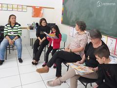 "Visita das autoras Maria Eliza e Nilza Siqueira • <a style=""font-size:0.8em;"" href=""http://www.flickr.com/photos/134435427@N04/27749572477/"" target=""_blank"">View on Flickr</a>"