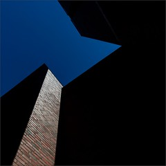 Piece of the Sky (Olli Kekäläinen) Tags: work4405 nikon d800 photoshop ok6 square ollik 2018 20180530 color malmi helsinki suomi finland abstract dark blue wall church