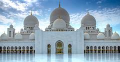 Main entrance of Sheikh Zayed Mosque (Siebring Photo Art) Tags: abudhabi emirates sheikhzayedmosque uae dome gold magnificant marble mirrorimage sunset verenigdearabischeemiraten ae