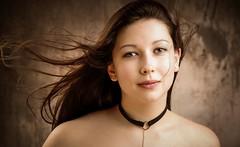 Nouveau portrait d'Elisa (phonia20) Tags: fille femme woman girl face pretty visage look regard hair studio pentax eyes natgeo