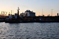 Hamburg (Martin Hronský) Tags: martinhronsky nikon d500 spring 2018 geotaged hamburg germanyeurope sea coast city ocean harbor harbour port portofhamburg tug ship maerks container containership boat vessel ferry elbe stpauli