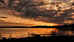 2018_9999_40 (Bob's Digital Eye) Tags: bobsdigitaleye canon canonefs1855mmf3556isll clouds h2o june2018 laquintaessenza lake lakesunsets lakescape reflections silhouette skies sunsets t3i water flicker flickr sunset sky landscape