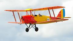 DH 82 (Arndted) Tags: dehavillanddh82tigermoth dehavillanddh82 dehavilland dh82tigermoth dh82 tigermoth sk11 swedishairforce flygvapnet sweden sverige aircraft airshow airplane aviation airforce flygplan flying biplane nikon d300s sigma ex100300f4