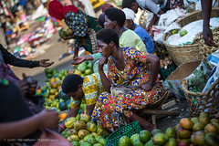 Ruhengeri Market, Rwanda, June 2017 (Catherine Gidzinska and Simon Gidzinski) Tags: markets colourful colour vegetables fruit selling woman 2017 africa eastafrica june ruherengi rwanda market