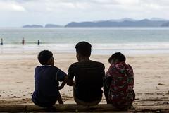 Three Philippines (Rudi und Ellen) Tags: philippinen junge boy sea meer beach palawan