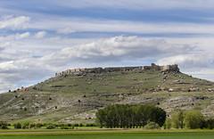 Castillo de Gormaz. Soria. IMG_3738_ps (Inclitus) Tags: castillo primavera verde nubes arquitectura